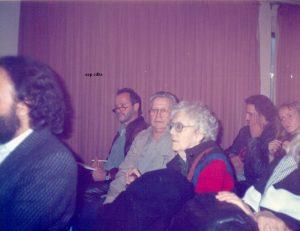 Federico Arcos i Luce Fabbri a Barcelona 1993seguint atentament els debats d' anarquisme exposició internacional